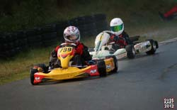 2 Go Karts mit Fahrern
